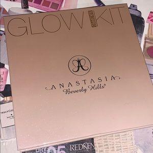 Anastasia Beverly Hills Sundipped Glow Kit